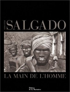 sebastiao-salgado-main-de-home_011