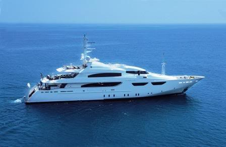 http://phassenforder.files.wordpress.com/2009/06/yacht-bollore.jpg