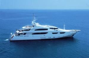 yacht bolloré